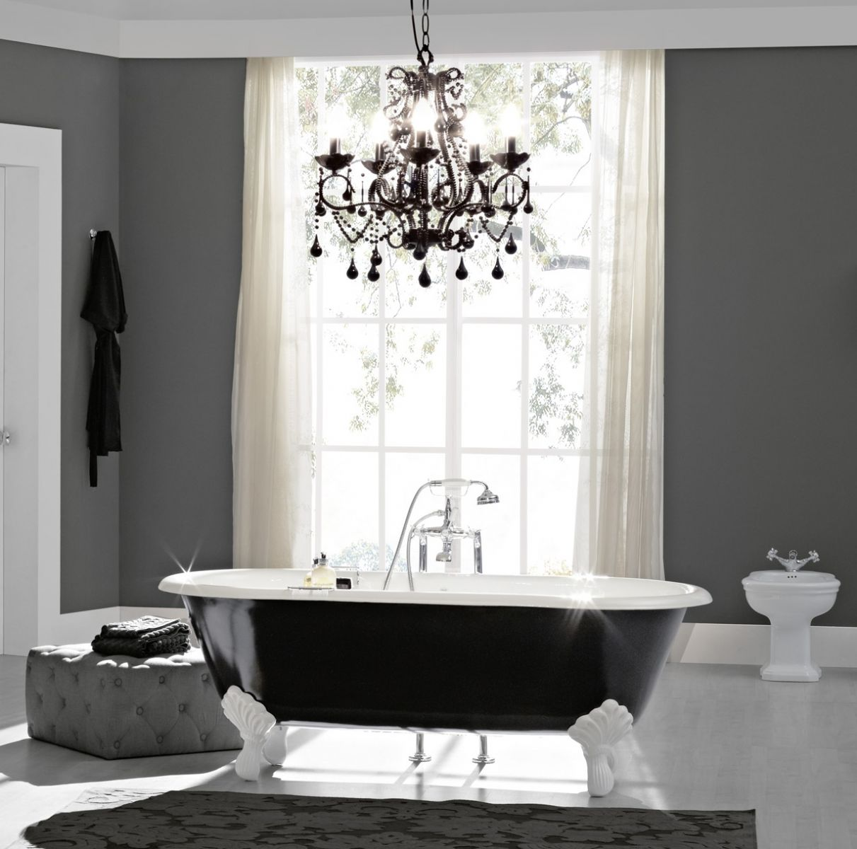 baignoire en fonte lavabo et sanitaires antiquit s r ditions et r novation. Black Bedroom Furniture Sets. Home Design Ideas
